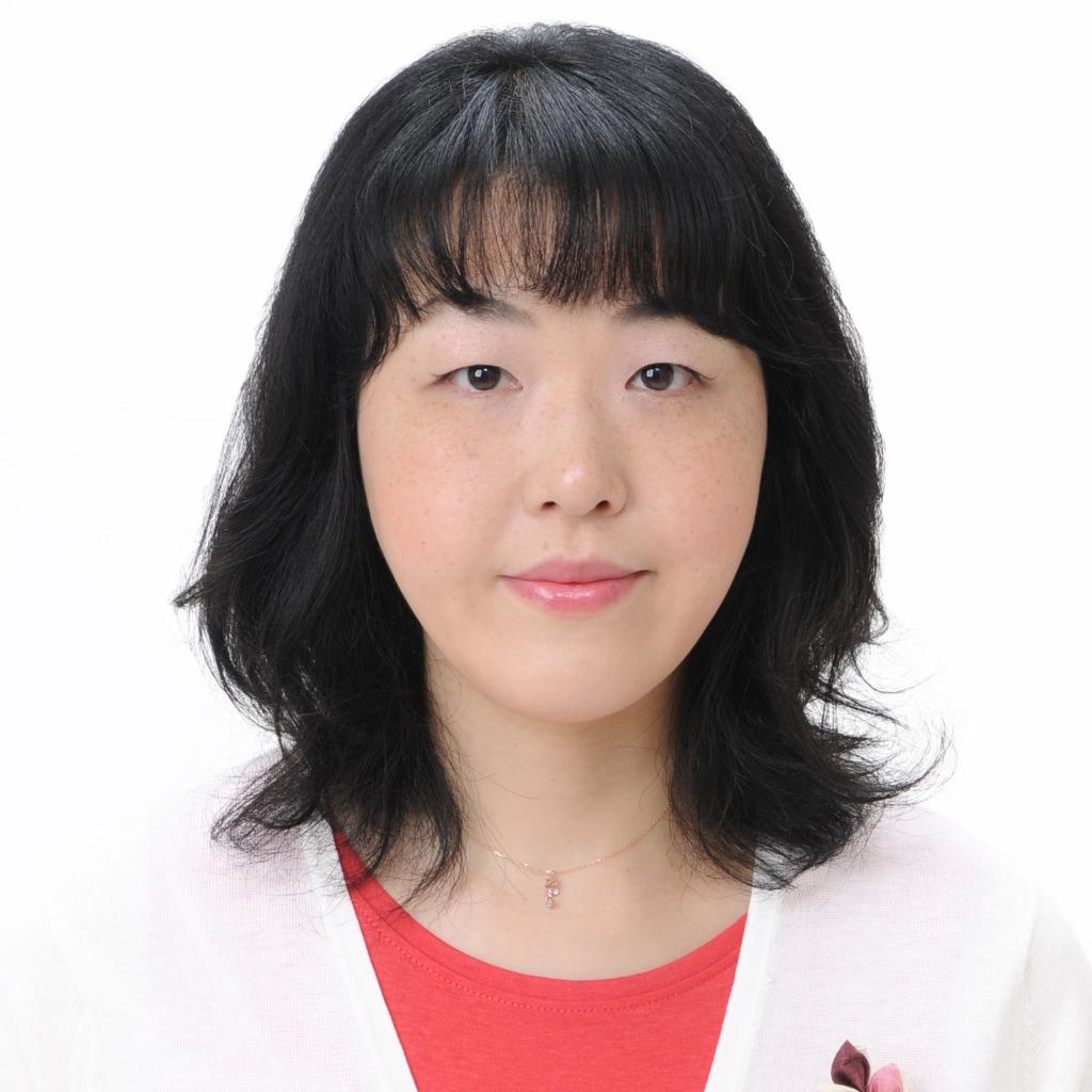 秀姫(すひ)先生は、東京渋谷で手相占いに強い当たると口コミ評判の人気占い師。