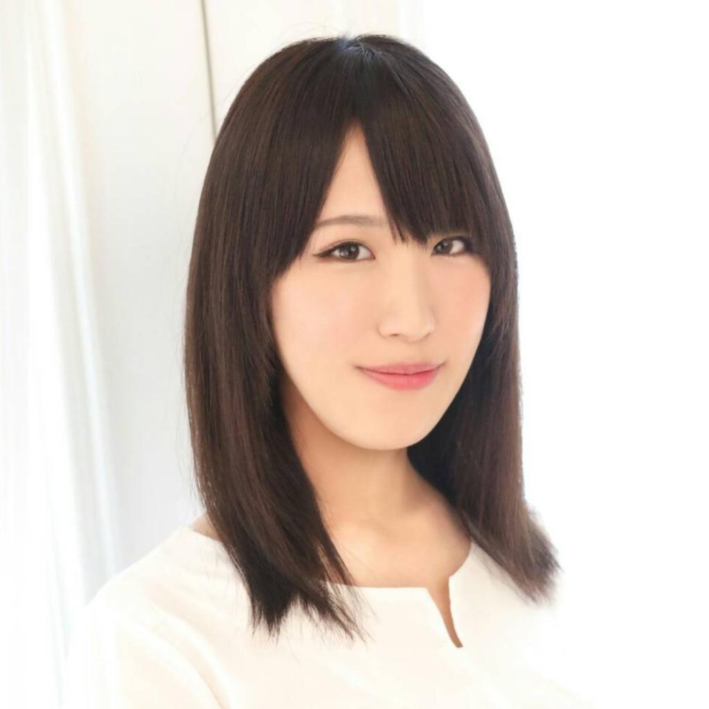 泰永真希穂(やすながまきほ)先生は、東京渋谷で恋愛占いに強い当たると口コミ評判の人気占い師。
