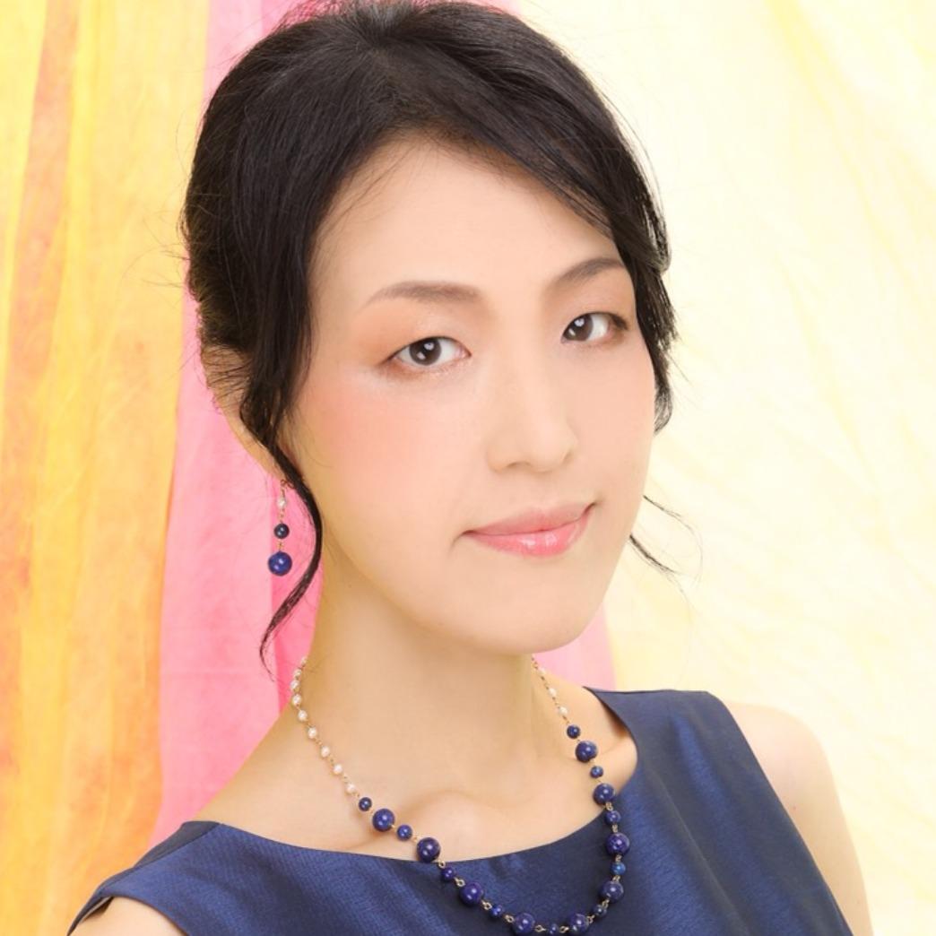 東京・渋谷占いなら、占い館BCAFE(ビーカフェ)渋谷店。毎週木曜日は、秀姫先生が担当しています。店舗での対面鑑定はもちろん、オンライン占い(リモート占い)でも予約受付中!