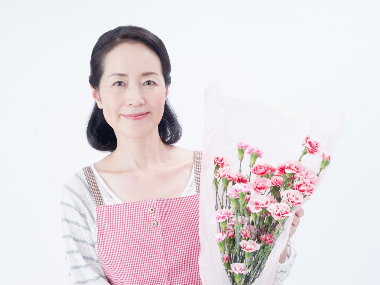 LINE占いで父の日・母の日のプレゼントなら東京渋谷で人気の占い館「婚活もできる占い館BCAFE(ビーカフェ)渋谷店」の占いチケットをお誕生日プレゼントにしては如何でしょうか。