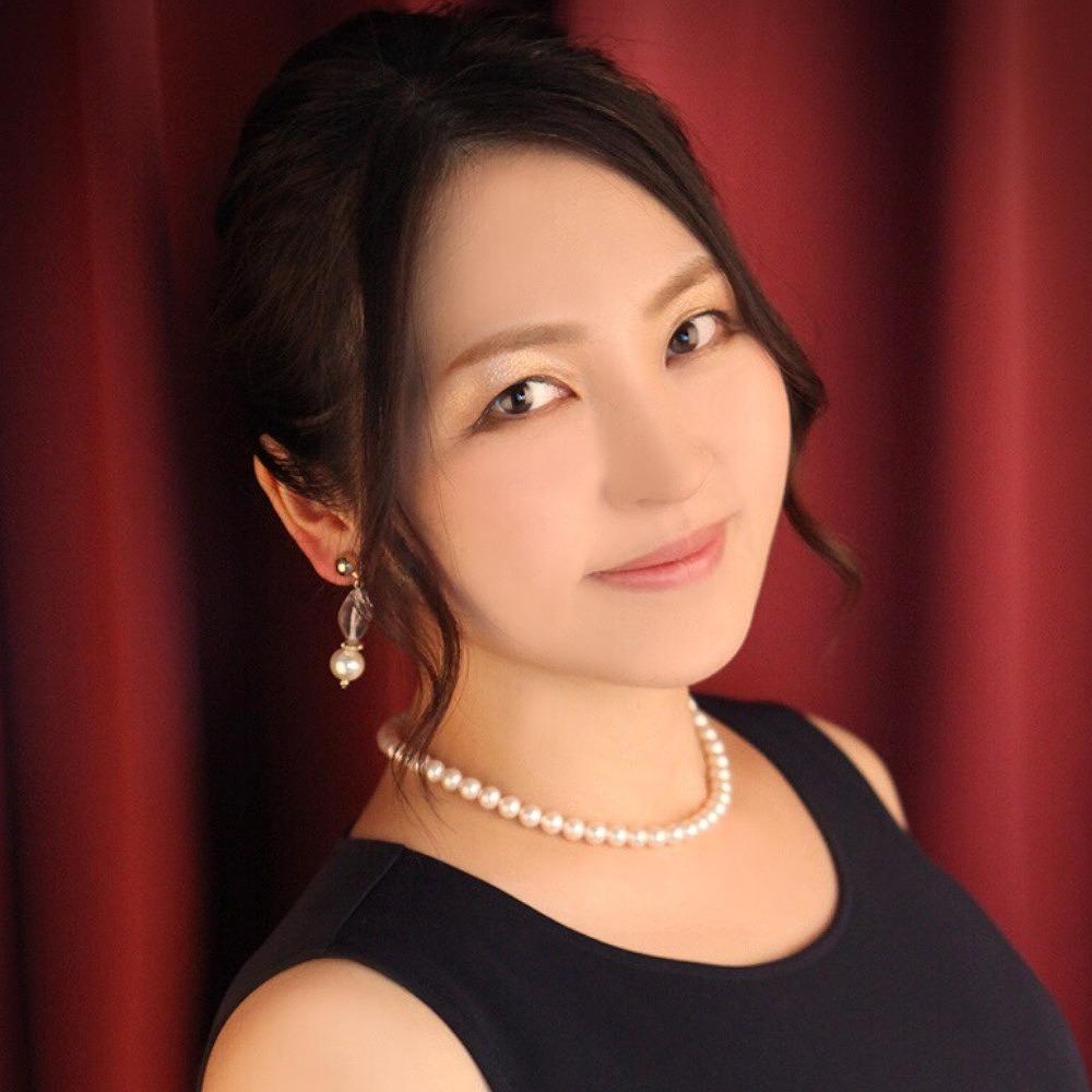 由(ゆう)先生は、婚活もできる占い館BCAFE(ビーカフェ)渋谷店で火曜日を担当しています。