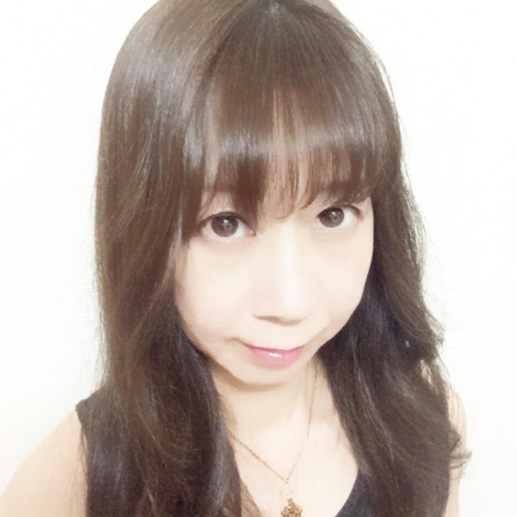 EMA(エマ)先生は、東京渋谷でチャネリングに強い当たると口コミ評判の人気占い師。