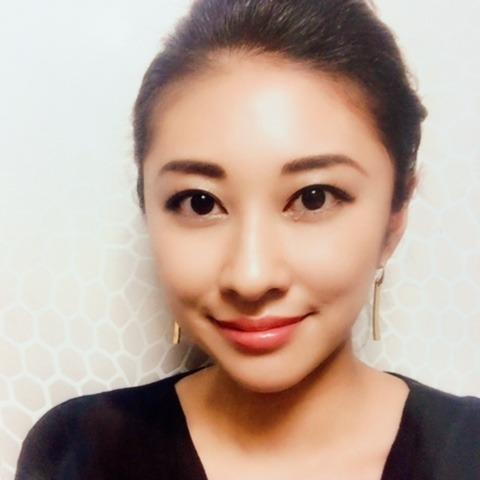 菫(すみれ)先生は、東京渋谷で恋愛占いに強い当たると口コミ評判の人気占い師。